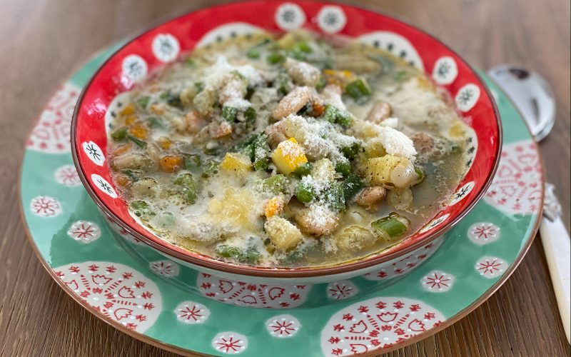 Summer minestrone 500ml - Serves two By Alastair Little
