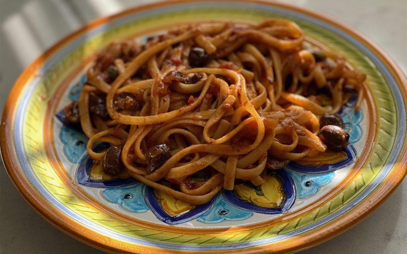 Puttanesca pasta sauce 370ml - serves four By Alastair Little